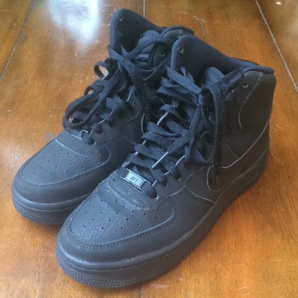 Nike Air Force 1 Black made in Vietnam size 5.5Y